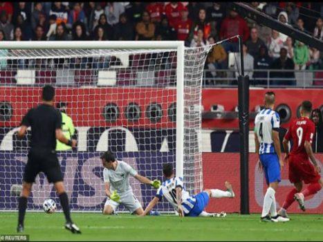 Barcelona và Real Madrid bất phân thắng bại
