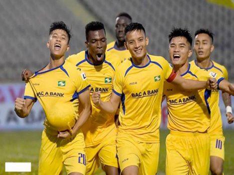 Đội tuyển Việt Nam và các CLB trong nước đang thu dần khoảng cách