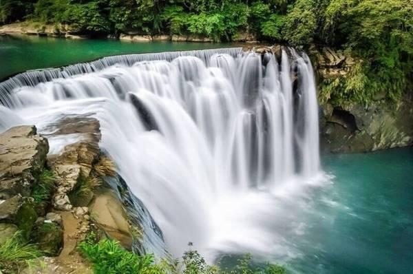 Nằm mơ thấy thác nước nên đánh con số gì