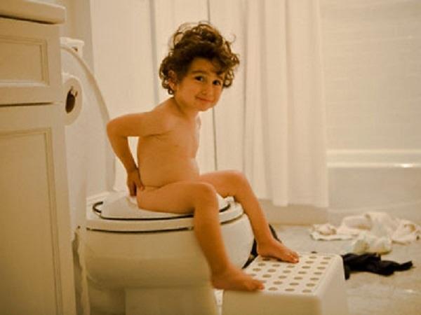Nằm mơ thấy đi vệ sinh đánh có mấy? con gì chuẩn?