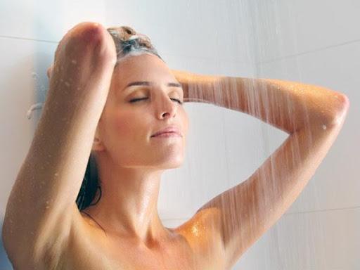 Ngủ mơ thấy tắm là điềm tốt hay xấu ? Đánh lô đề số mấy ?