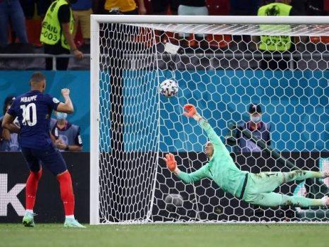 Chia sẻ cách đá bóng không mệt của các cầu thủ nổi tiếng